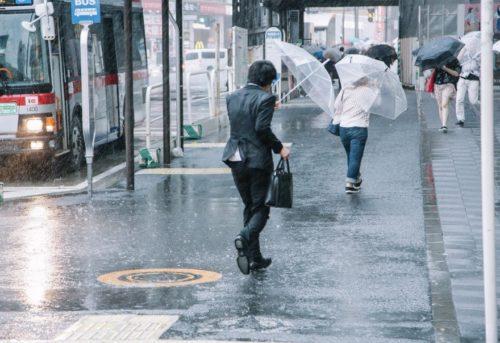 台風での雨戸の効果とは?