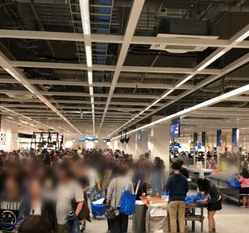 IKEA長久手の店内の混雑
