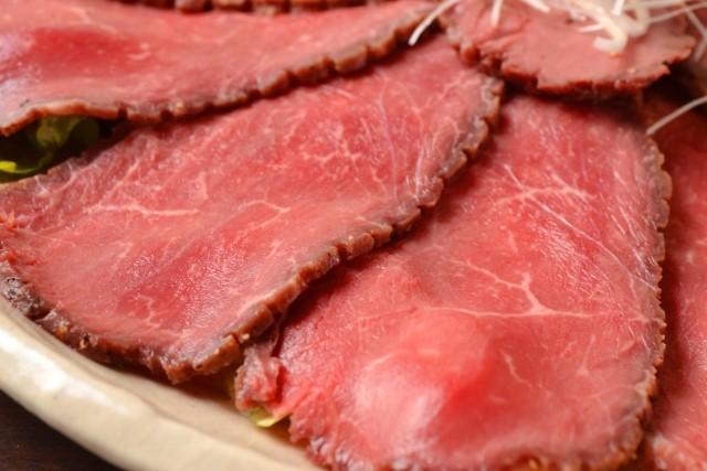 ローストビーフをアルミホイルや炊飯器、フライパンで簡単に作るには?
