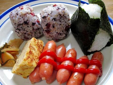 名古屋港水族館での食事の持ち込みは出来る?