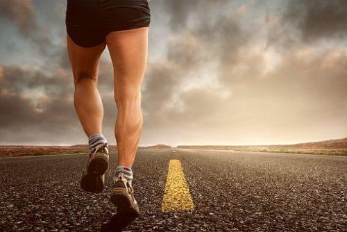 足の付け根の痛みがランニングの時出た場合の対処法は?