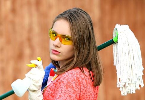 網戸掃除を簡単に?家にあるものや100均のもので!