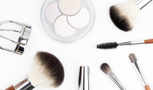 旅行での化粧品での裏ワザを公開します!