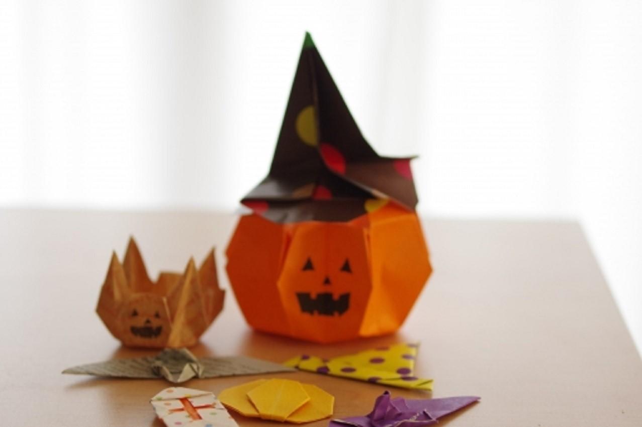 ハロウィンの飾りつけを折り紙で!リースは?モール作り方も紹介!