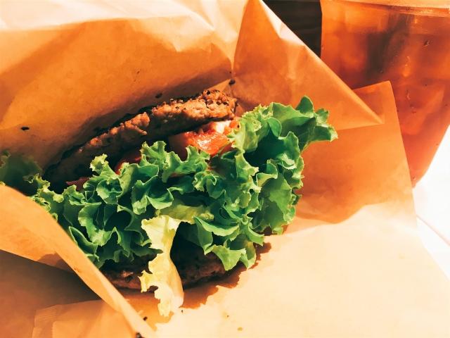 コメダ珈琲店カルビ肉のバーガーコメ牛はテイクアウト出来る? 選べる3タイプと価格はこちら★